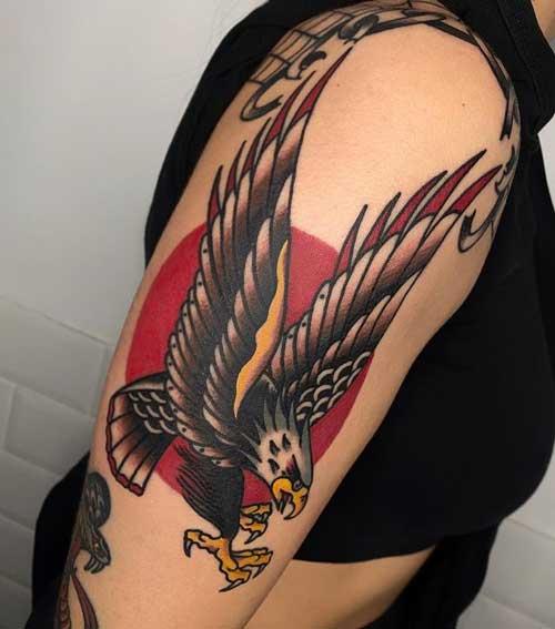 tatuaje de águila tradicional
