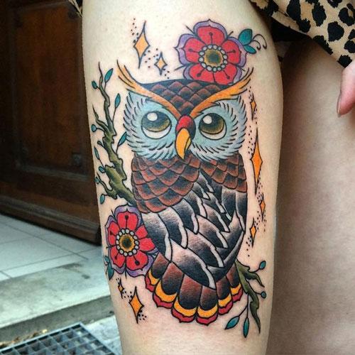 tatuaje de buho tradicional