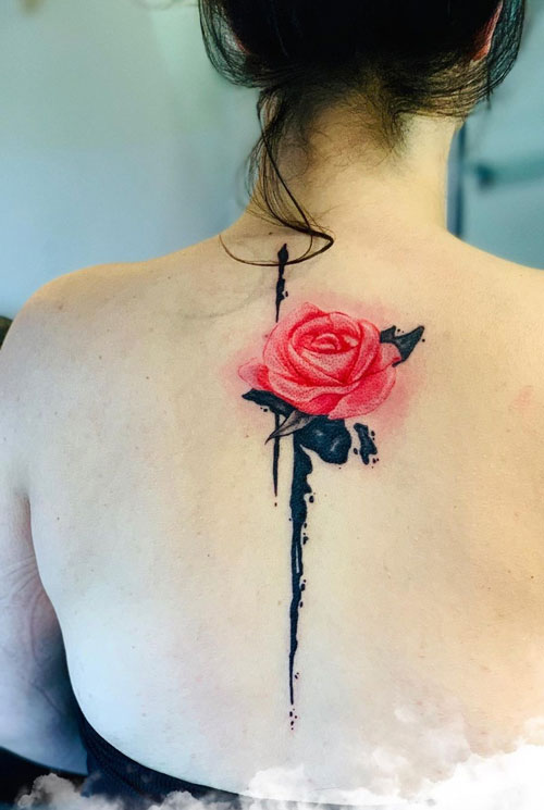 tattoo rosa tinta roja
