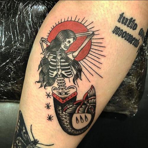 tatuaje vieja escuela de Sirena