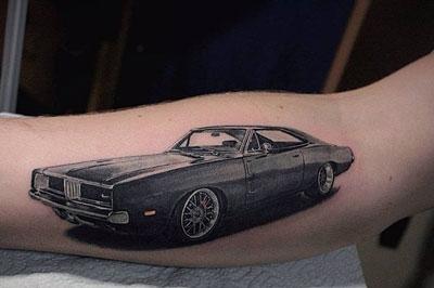 tatuaje de un automovil