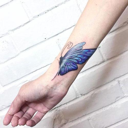 tatuaje mujer en antebrazo
