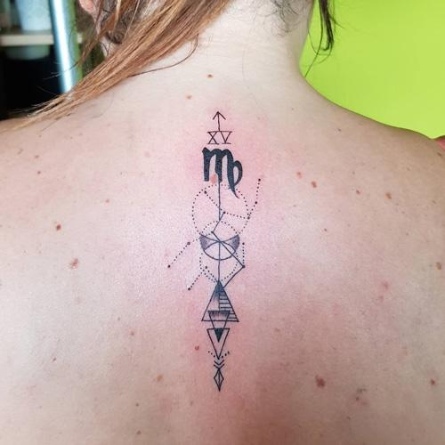 tatoo virgo geometrico