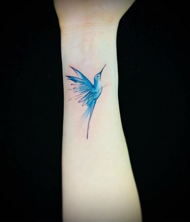 Alejandra Estrada tatuadora