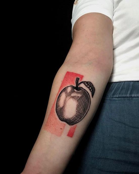 black work tattoo manzana