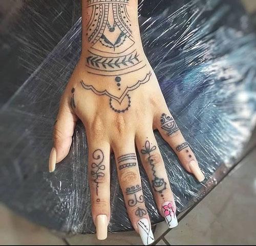 tattoo en la mano