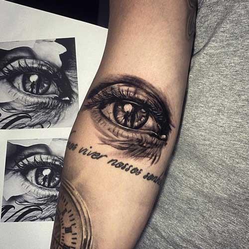 ojo tatuaje con frase