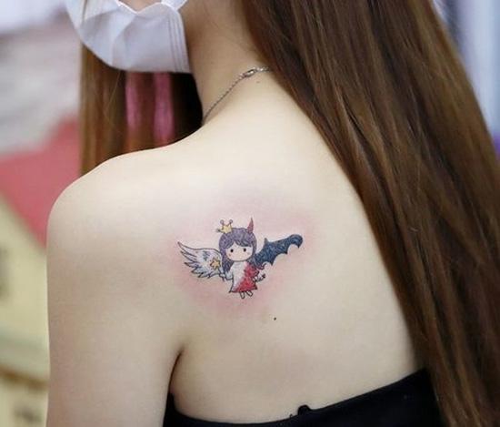 tatuaje ángel a color