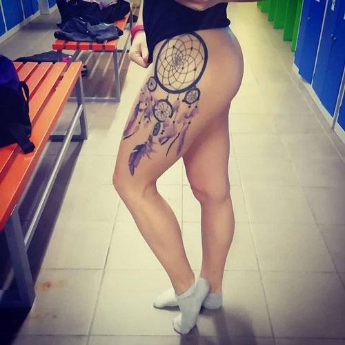 tatuaje de atrapasueño en muslo