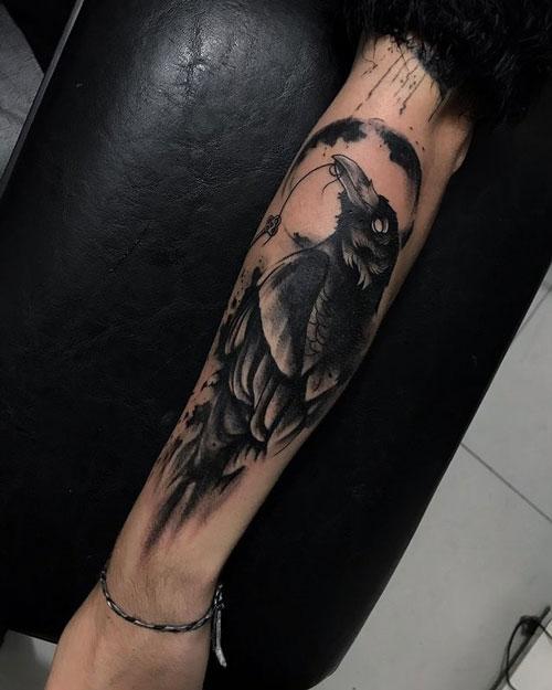 tatuaje de cuervo para hombre