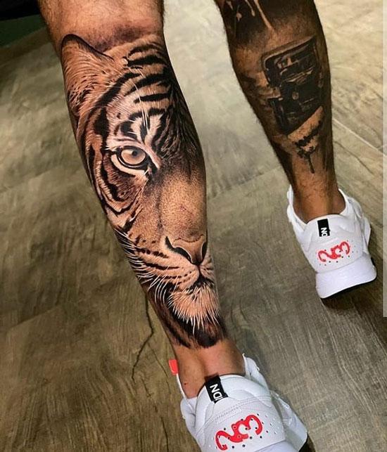 tatuaje de tigre en pantorrilla
