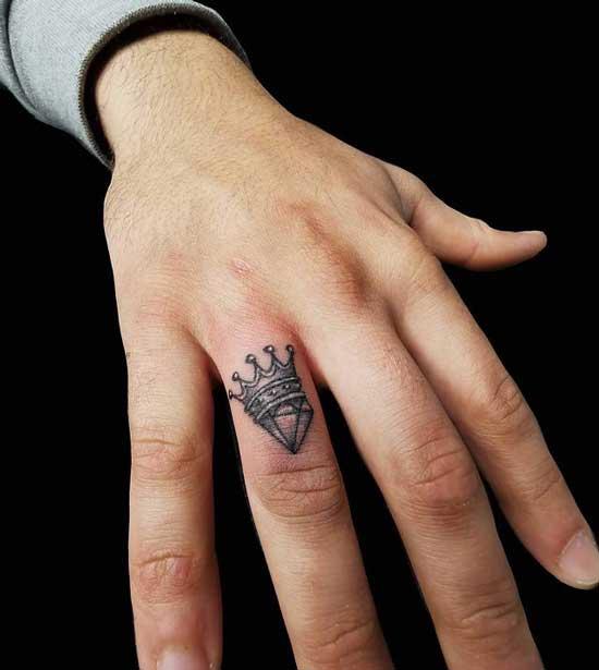 tatuaje diamante y corona