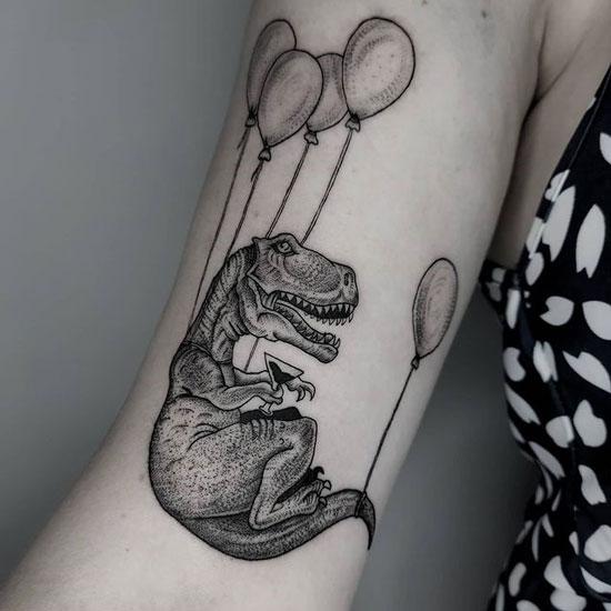 tatuaje dinosaurio black and grey