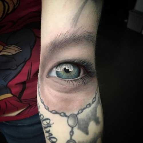tatuaje ojo realista