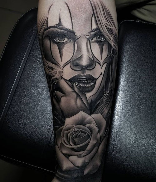 tatuaje payasita y rosa