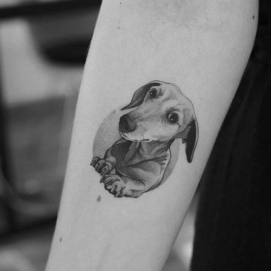 tatuaje perros salchicha