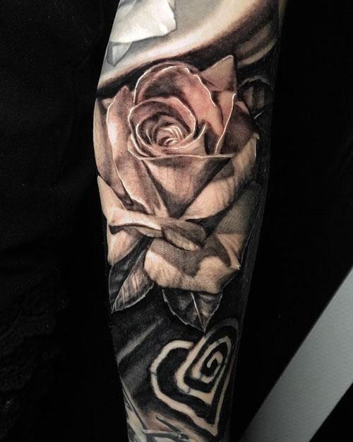 tatuaje realismo de rosas