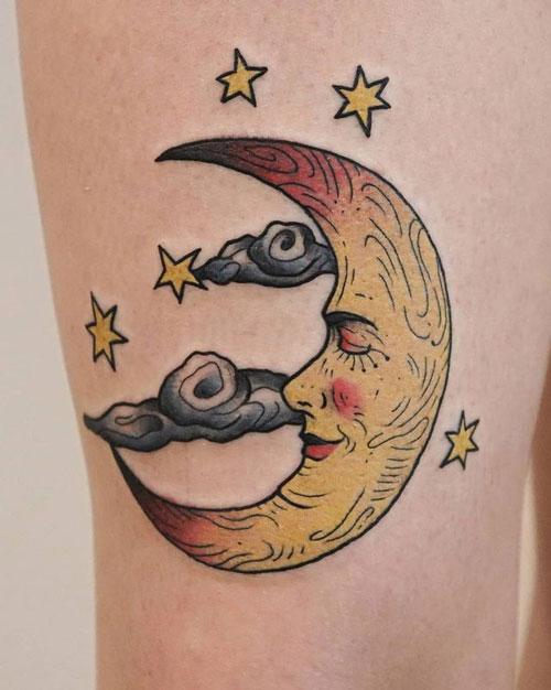 tatuaje tradiconal de lunas