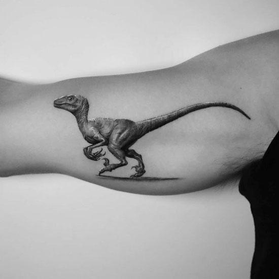 velociraptor tatuaje