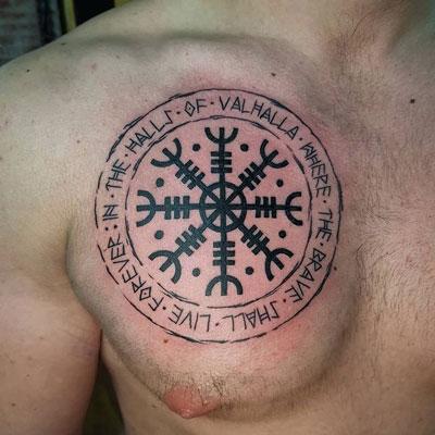 Aegishjalmur tatuaje
