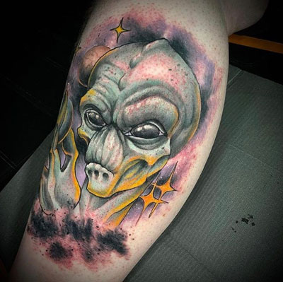 tattoo extraterrestre a color