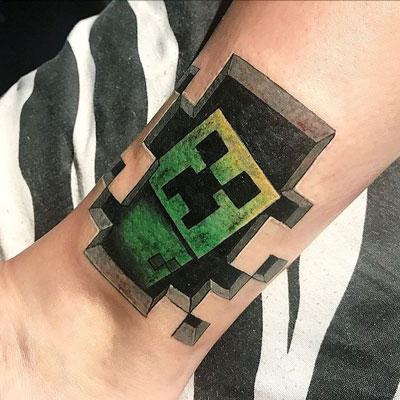 tatuaje de minecraft creeper