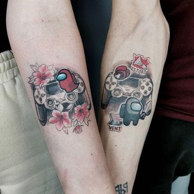 tatuaje parejas among us