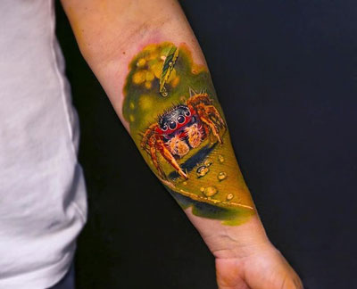 tatuaje realismo de araña