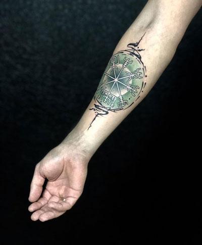 vikingo aegishjalmur tattoo