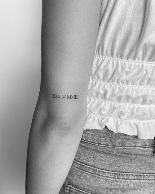 tattoo en codo numeros