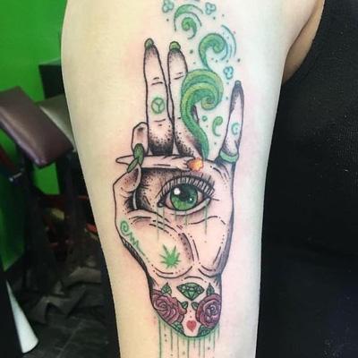 tattoo fumando