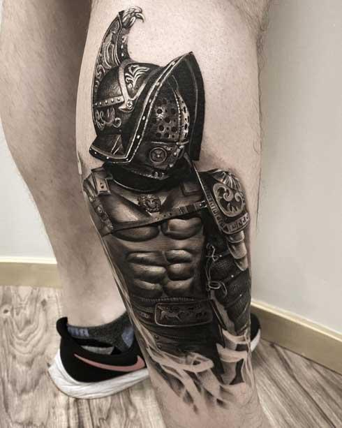 tattoo gladiador en el pie