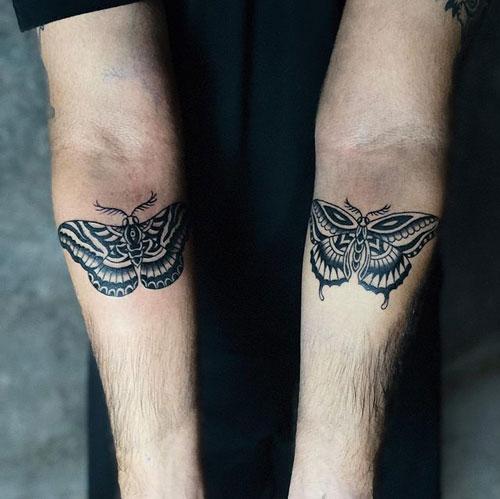 tatuaje de polillas en brazos