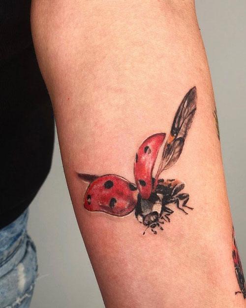 tatuaje lady bird