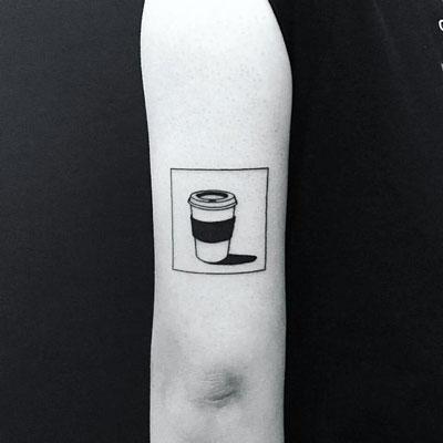 tatuaje vaso de cafe
