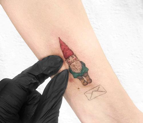 tattoo peqeno de nomo