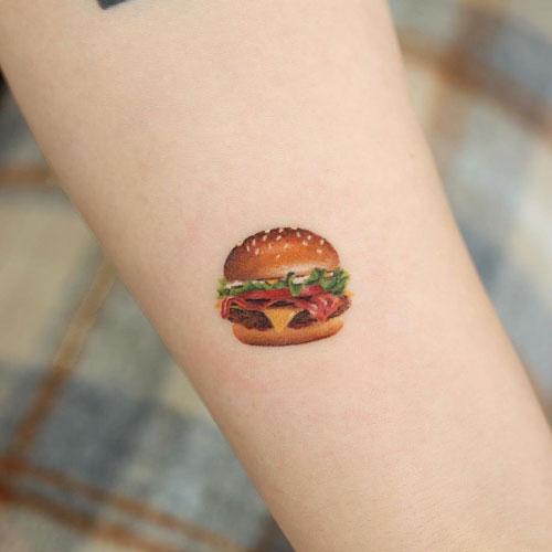 tattoo realismo hamburguesa