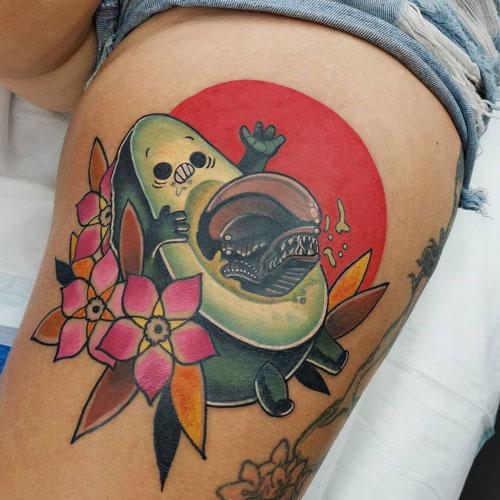 tatuaje aguacate aliens