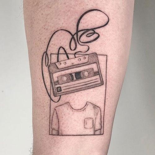 tatuaje cassette en gris