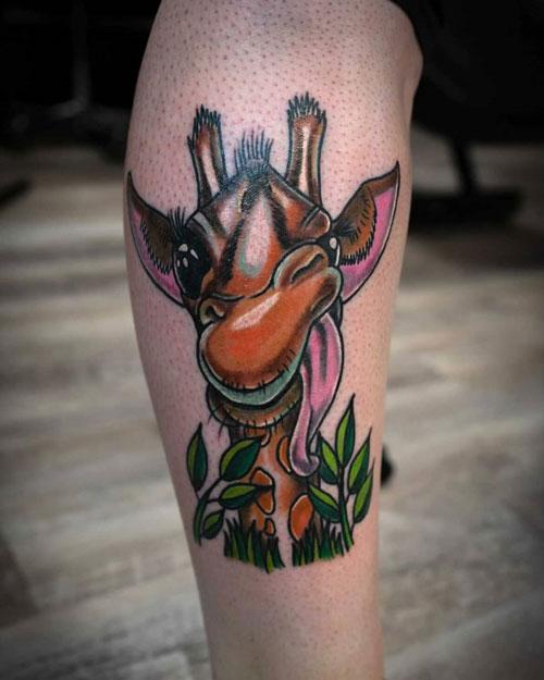 tatuaje jirafa newschool