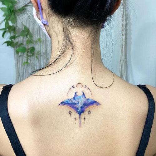 tatuaje mantarraya a color