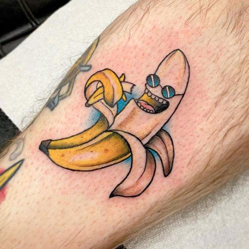 tatuaje platano con gafas
