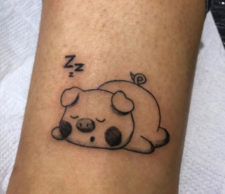 cerdo durmiendo tattoo