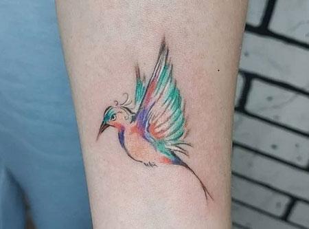 pequeño tatuaje de colibri