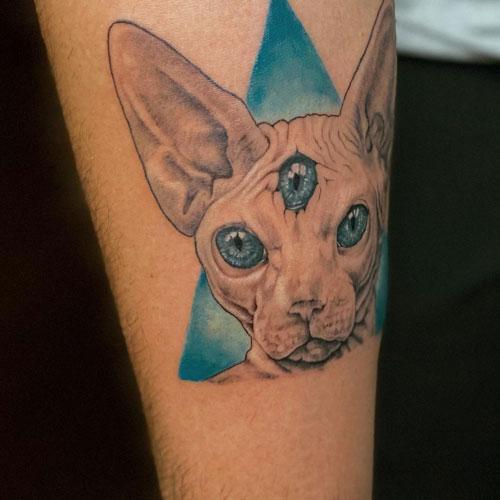 tattoo de gato egipcio en color