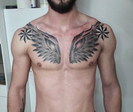 tattoo para hombre de alas