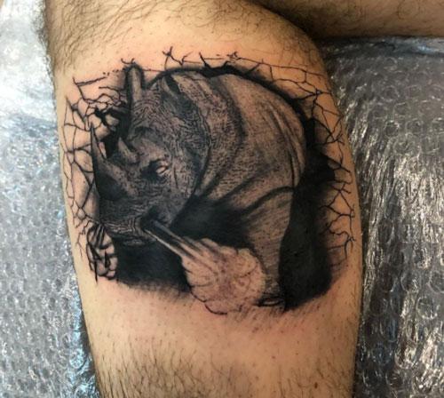 tattoo rinoceronte