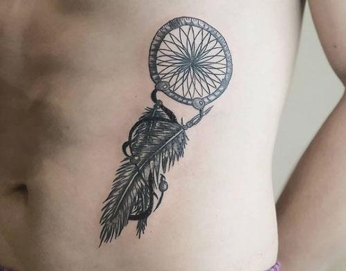 tatuaje atrapasueño hombre
