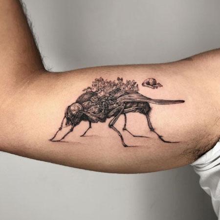 tatuaje de moscas