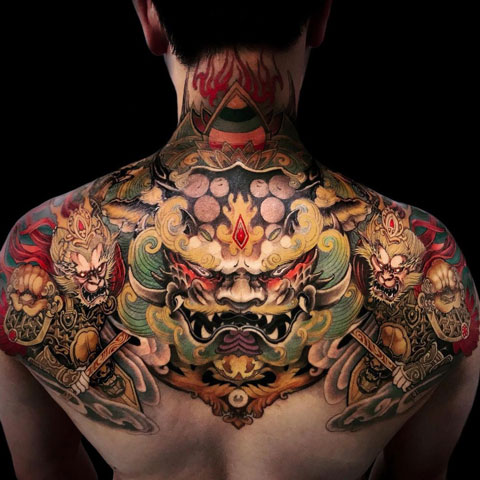 foodog tattoo espalda